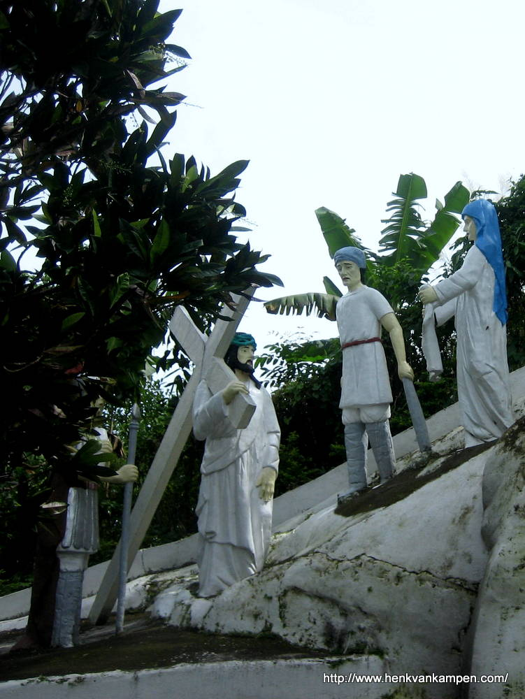 Veronica wipes Jesus' face with her veil - Stations of the Cross, Tacloban City